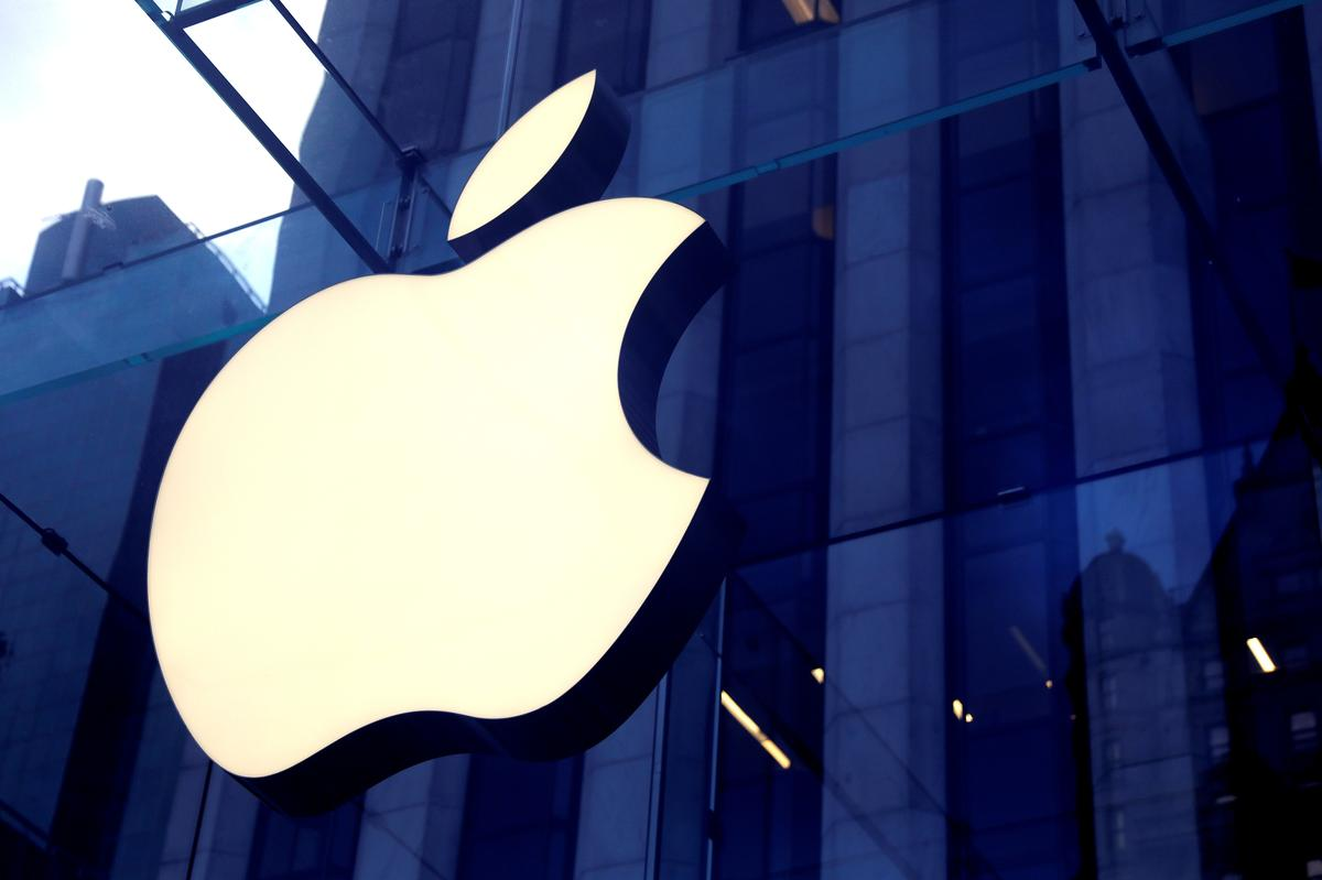 Apple sells fewer than 500,000 smartphones in China in February amid coronavirus