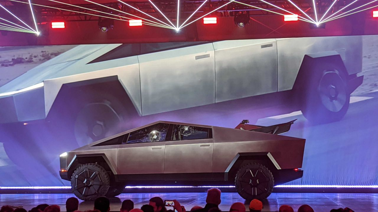 """Tesla is searching """"central"""" U.S. for a Cybertruck gigafactory site"""