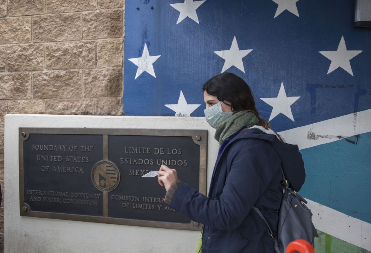 U.S. and Mexico close border to all 'non-essential travel' due to coronavirus crisis