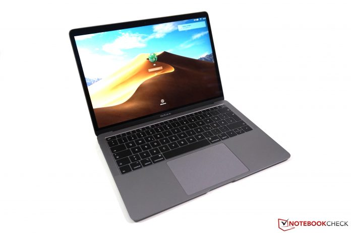 Apple: Retina Macbook Air suffers from the staingate problem